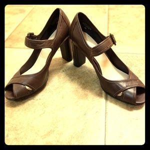Nine West ankle strap platform heels 6.5